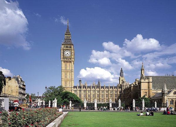 Британия готовится упростить визовый режим с КНР