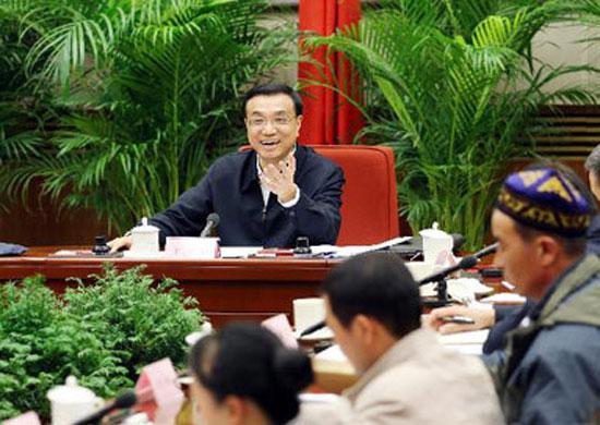 5日,中共中央政治局常委、国务院副总理、国务院深化医药卫生体制改革领导小组组长李克强在北京主持召开医改领导小组第十二次全体会议。