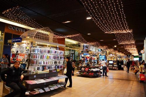 新浪旅游配图:迪拜购物中心 摄影:弹指间