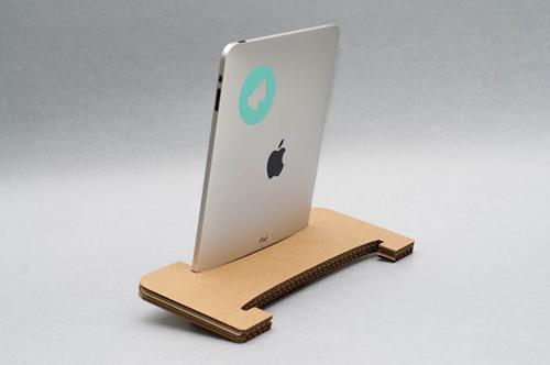 教你利用旧纸壳箱制作简易iPad支架