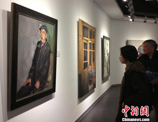 中国油画院课题组靳尚谊、杨飞云、龙力游、白羽平、李晓林、姚永、张立农、芃芃等60位成员近年来创作的200件油画作品悉数亮相 孙权 摄