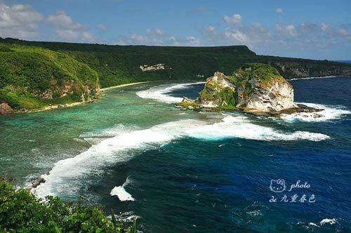 塞班岛鸟岛海岸如琉璃般的海浪