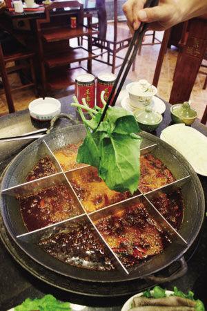 重庆本地人最爱的六大平价老火锅店