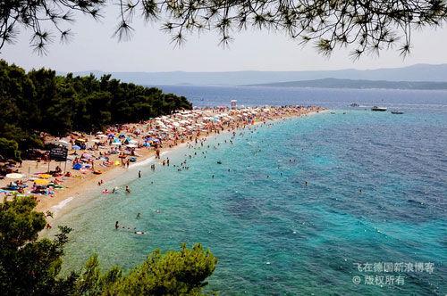 """克罗地亚传说中的最美沙滩""""金角海滩"""""""