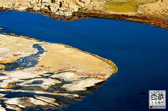 湛蓝的湖泊