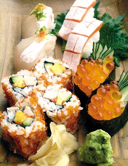 品尝日本料理时,不少人喜欢把生鱼片、寿司搭配着芥末来吃。
