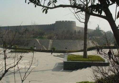 行走古城西安 探寻城墙背后的秘密与传说