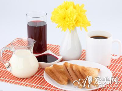 早餐喝咖啡可治便秘 9个排毒解便秘的小偏方