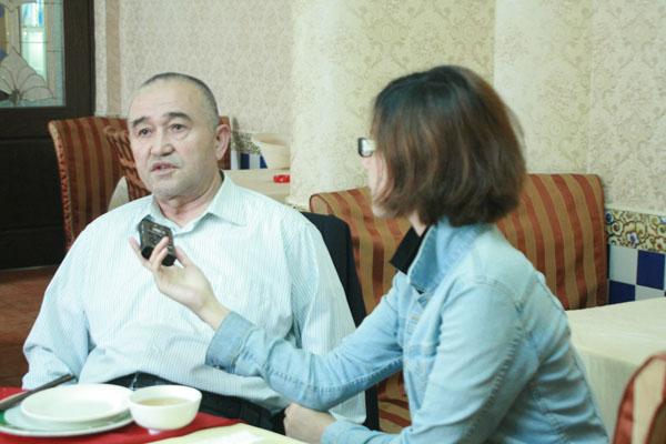 吾普尔 哈吉 把维吾尔餐饮文化做大做深