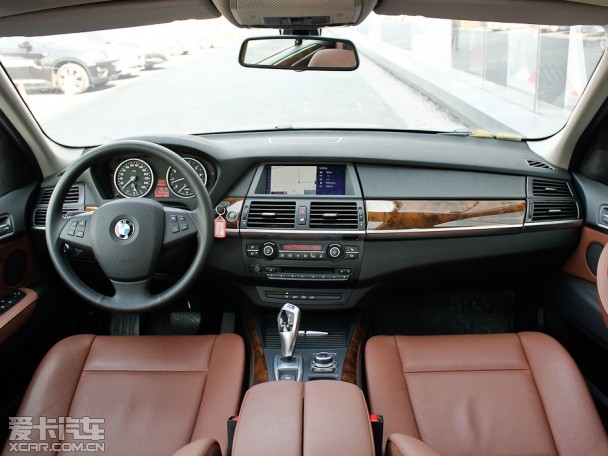 兼顾实用与豪华 4款百万级SUV车型推荐