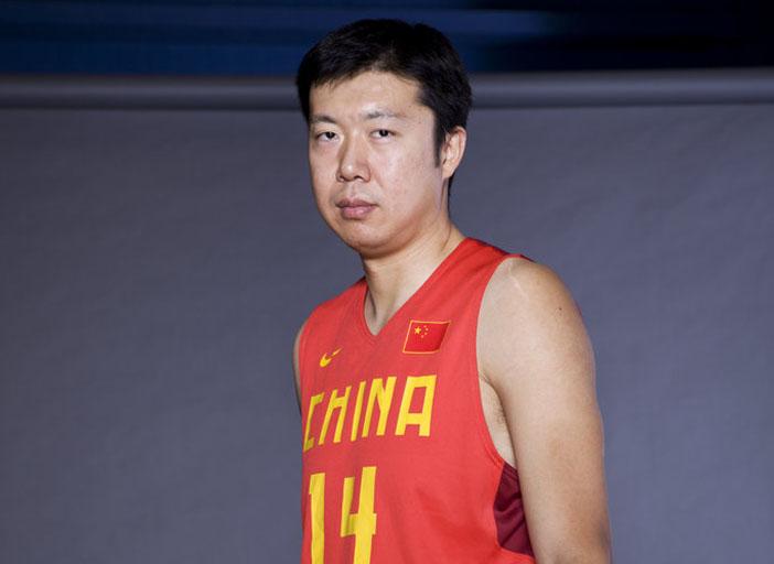 公园体育-再见老篮球!大郅憾别亚锦赛_5+土豆型头发男孩图片