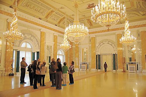 康斯坦丁宫的内部装饰。