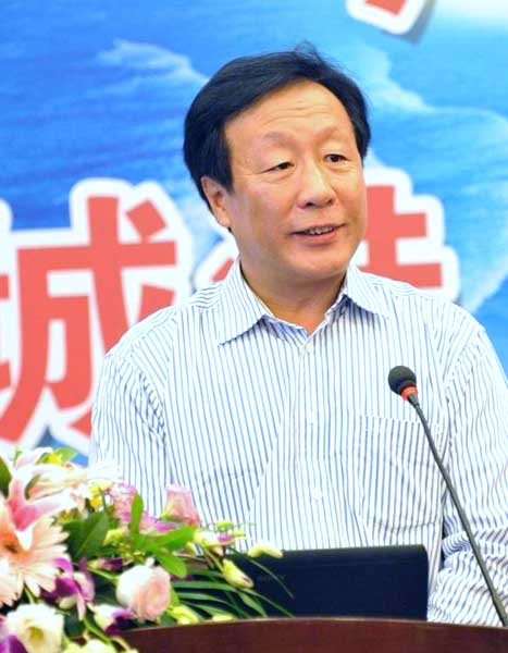 (图一)广西壮族自治区旅游局副局长贾玉成在推介会上致辞