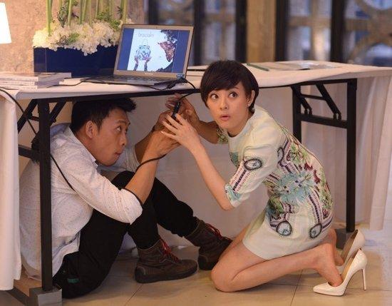 明星丝袜电视剧_综艺 电视    电视剧《辣妈正传》中,剧初孙俪还是穿黑丝袜,高跟鞋,画
