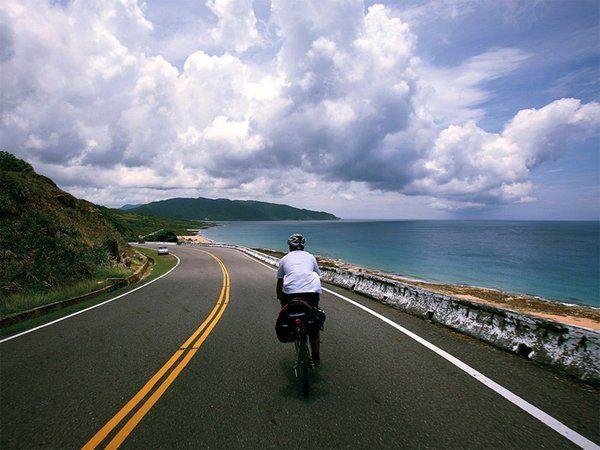 走路太慢,开车太快,骑自行车环千岛湖是最近时髦的事情,千岛湖