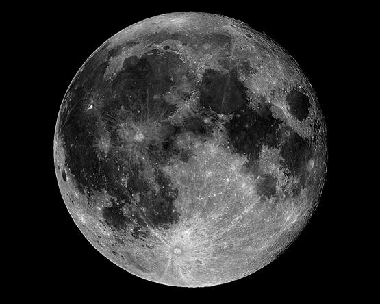 استكشاف القمر وإمكانيات استخدام موارده