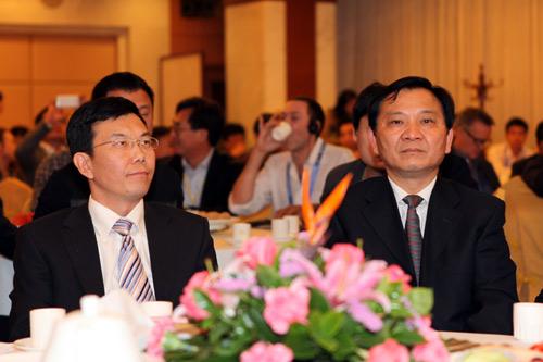 """国家新闻出版广电总局宣传管理司副司长和广州市领导出席""""央视之夜""""主题活动"""