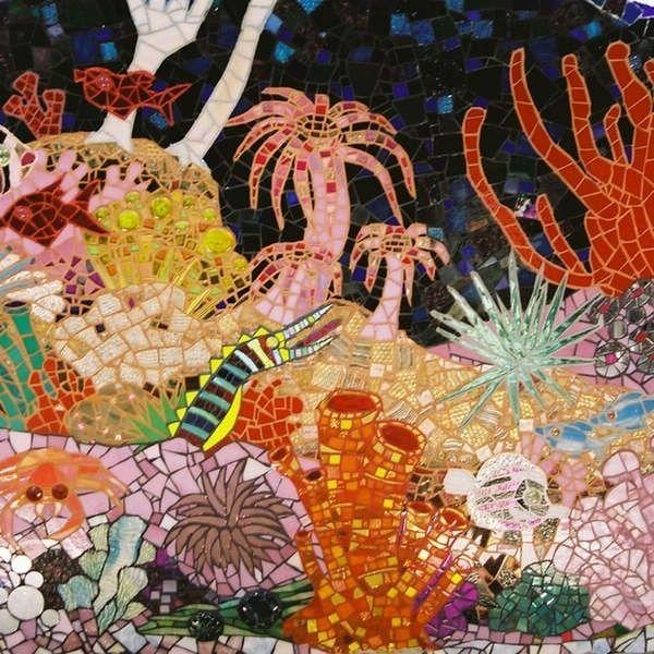 瓷砖打造梦幻世界 神奇浴室如海底潜水艇 粤语