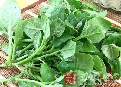 将菠菜搭配含钙丰富的芝麻