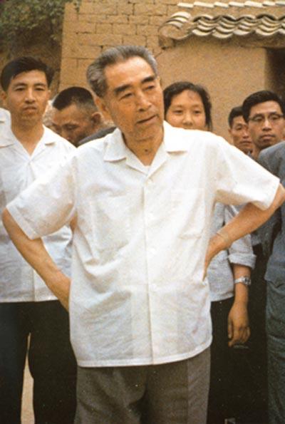 """钟志刚_记录""""人民总理""""周恩来光辉一生的15张老照片_党建_共产党员网"""