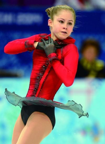 比赛中,尤丽娅极其投入。