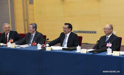 رئيس مجلس الدولة الصيني يشدد على النمو الاقتصادي المستقر والسليم