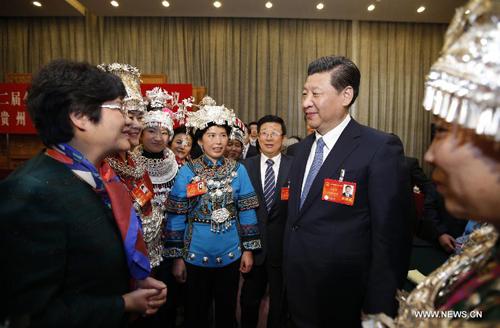 شي يحث على تحقيق منافع للمناطق الفقيرة في الصين