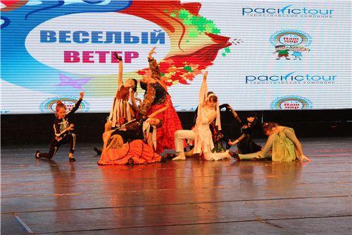 Китайско-российский молодежный фестиваль искусств 2014 открылся в Яньцзи