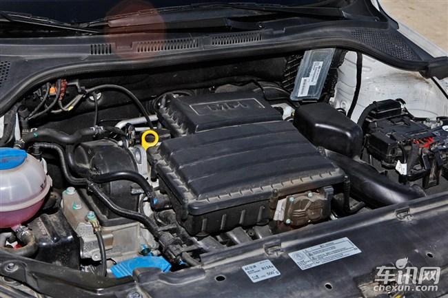 捷达的动力系统采用EA211系列的1.4升和1.6升两种排量发动机,质量可靠性和燃油经济性较为出色。变速箱方面则匹配的是MQ200型5速手动和6速AQ250自动变速箱。另外该车配备有定速巡航系统,驾驶员无需长时间踩踏油门,减轻高速行驶的疲劳感。