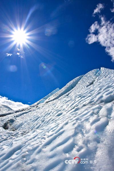 烈日下的冰川