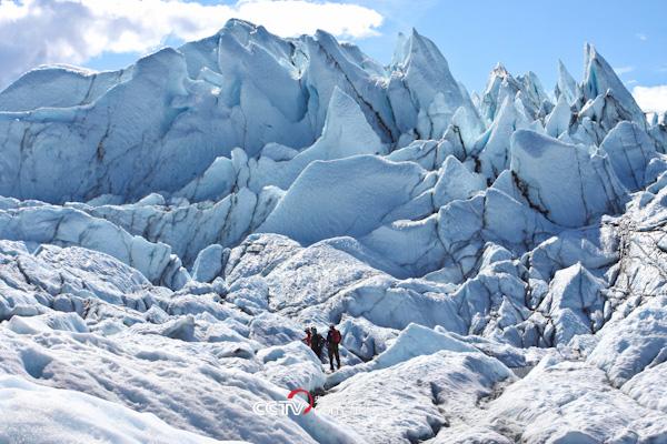 探险攀冰队