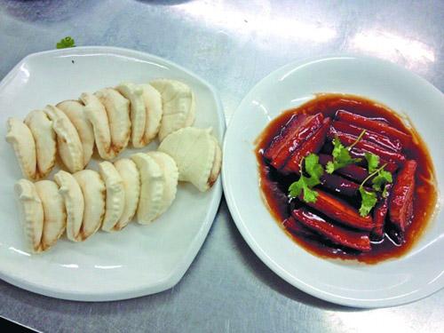 肉夹包是闽南传统婚宴上的必备面点