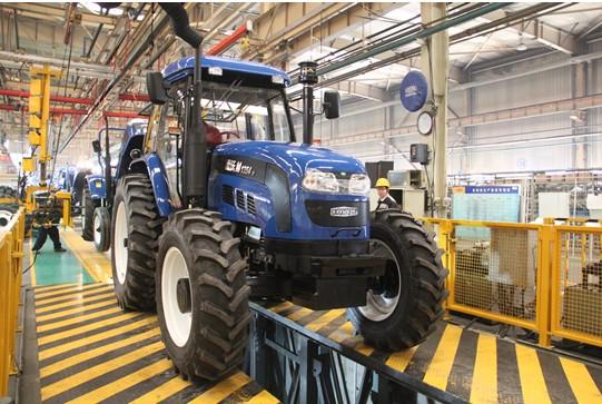 图注 雷沃拖拉机生产线 高清图片