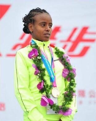 女子冠军玛瑞·迪巴巴将获得6万美元(冠军4万+破赛会纪录2万)奖励。