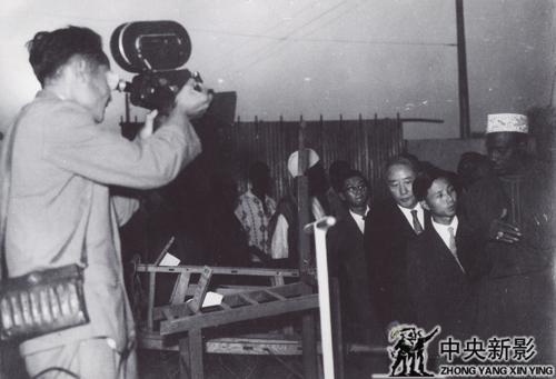 1963年,本文作者拍摄马里总统凯塔参观中国在马里举行的经济展览会