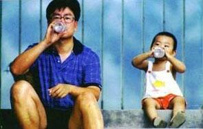 岩松与儿子小时候