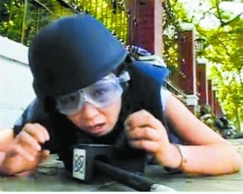 亲历泰国枪战的女记者张萌