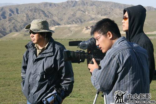《走遍中国》栏目组戈壁拍摄