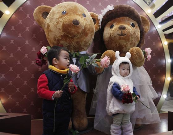 """В Пекине открылась выставка одного из самых известных брендов в мире игрушек """"Тедди"""""""