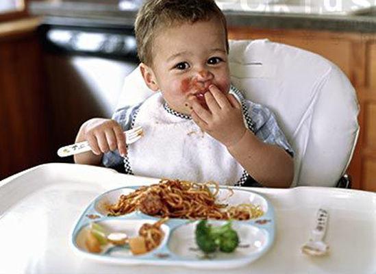 孩子睡前绝对不能吃的5种食物