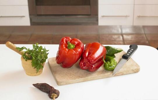 切菜学问大盘点各种食材怎么切最美味(东方IC供图)