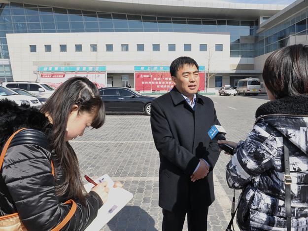 [2015两会 我在现场]驻宁夏全国政协委员今日启