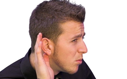 """别让耳机""""偷走""""你的听力 如何科学使用耳机"""