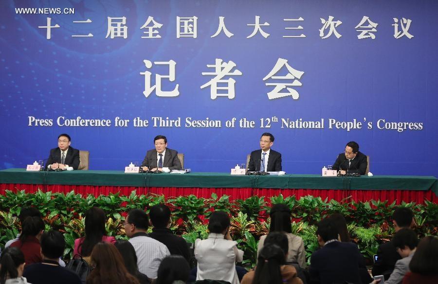 مؤتمر صحفي عقد على هامش أعمال الدورة السنوية الثالثة للمجلس الوطني الثاني عشر لنواب الشعب الصيني