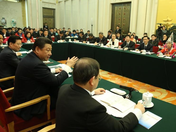 الرئيس شي يتعهد بالضرب بيد من حديد على المتسببين فى التلوث