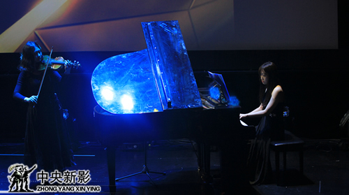 现场表演钢琴独奏