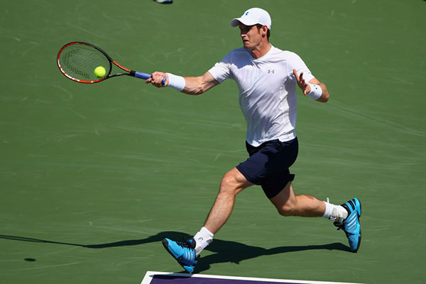 Andy Murray beat Colombian Santiago Giraldo in straight sets.