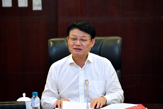 """中国民生银行董事长洪崎做""""三严三实""""专题党课报告"""