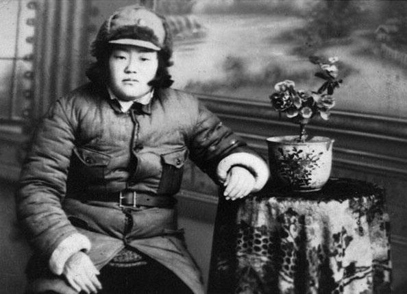 刘长秀1940年抗大一分校戎装照