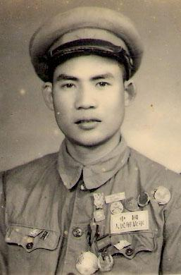 古兴 摄于1950年参加北京全国战斗英雄劳动模范大会期间